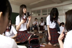 hikiko san vs kokkuri san 01