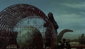 Mothra-vs-Godzilla-07